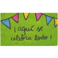 """Green doormat """"¡Aquí se celebra todo!"""""""