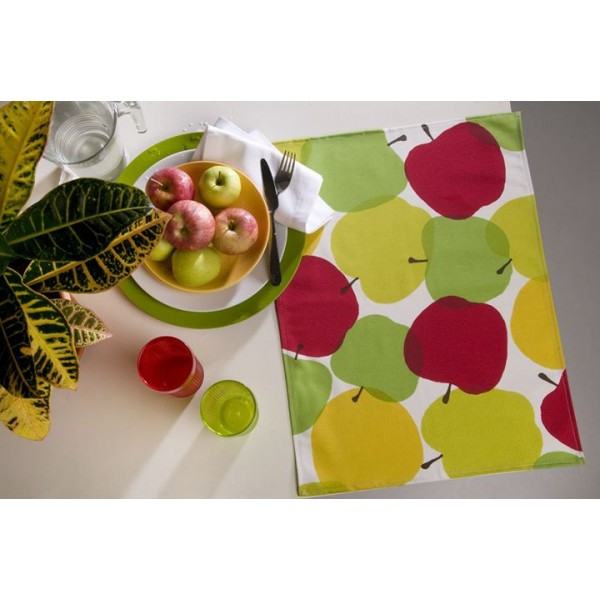 Stain-repellent table cloth 150x150 cm