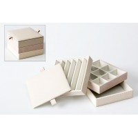 Joyero polipiel cuadrado beige y rosa palo 3 bandejas + tapa 13x13x11,4 CM