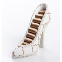 Zapato anillero beige y lineas doradas 17x5x12cm